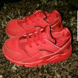 Red Huaraches Size 9C